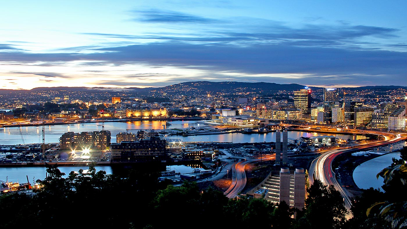 oslo-at-night-viewed-from-the-ekeberg-restaurant-norway-1400
